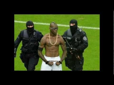 Kompilasi Gambar Parodi Perayaan Gol Balotelli!