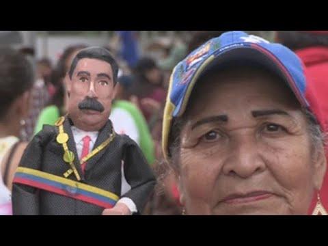 Miles de oficialistas conmemoran os 20 anos da chegada ao poder de Hugo Chávez