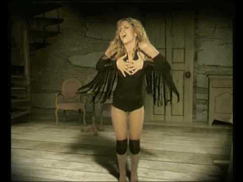 Victoria Xalkiti - Teleia (Official Music Video)