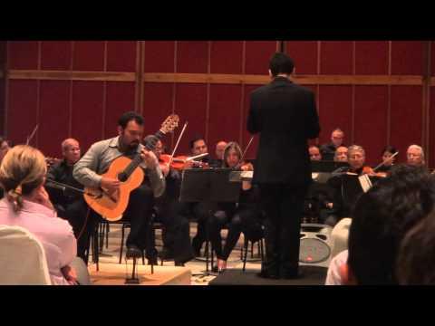Javier Triana. Concierto para Guitarra y Orquesta de A. Lauro