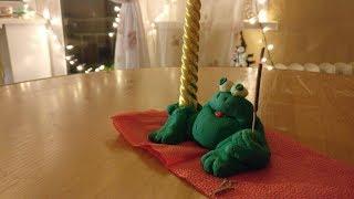 Лепим лягушку из зеленого соленого теста