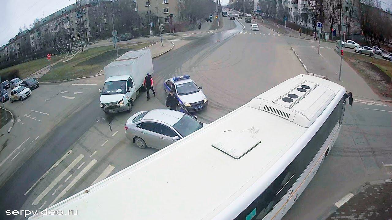 ДТП в Серпухове. Протаранил бок... 24 марта 2017г.