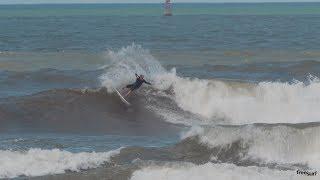 Junior Segment / Cody Young in Haleiwa - Freesurf Magazine