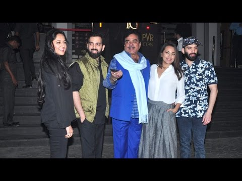 Sonakshi & Shatrughan Sinha's Full Family At Dangal Movie Premiere