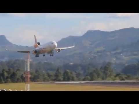 Centurion Cargo MD11F landing in SKRG/MDE