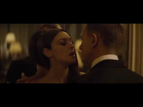 Top Best Sexiest Bond Moments - New Bond 2015