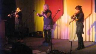 Fiddle Chicks : Maralinga