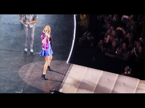 TAYLOR SWIFT 1989 WORLD TOUR Concert Vlog 2015