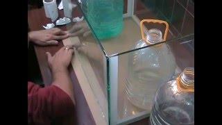 Клеим аквариум - ВИДЕО. Making aquarium - VIDEO.(Изготовление аквариума. How to make an aquarium. Подробное описание процесса склейки --- http://igorvarnic.blogspot.md/2009/10... Также,..., 2016-03-30T14:47:11.000Z)
