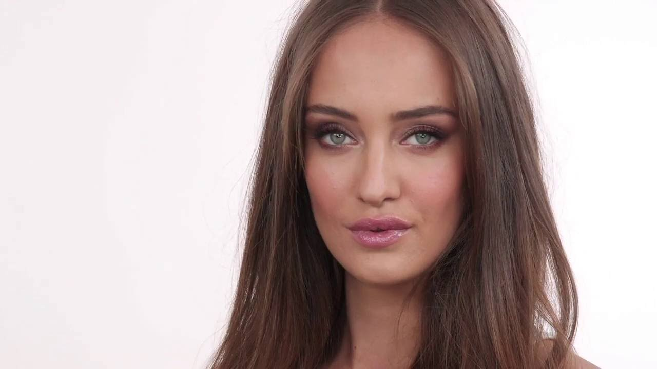 Download Timeless and Sophisticated Makeup for all Skin Tones | Monika Blunder