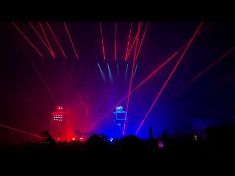 The Chemical Brothers Live At Frankfurt Festhalle  - Under The Influence / Dig Your Own Hole