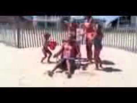 Fox Beyer takes the ALS Ice Bucket Challenge