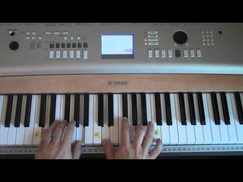 Easy-to-Play Piano - Mighty To Save (Matt McCoy)