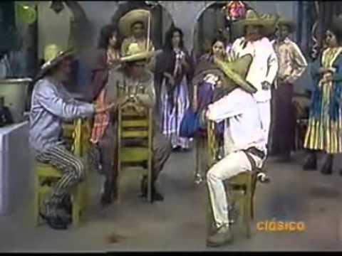 El Chavo Del 8 - Chespirito: Las Coplas Rancheras / El Chavo: El Tenderero - 1973 (1/2)