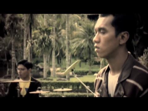 Asbak Band - Ternyata Salah Mengenalmu (Official Music Video)