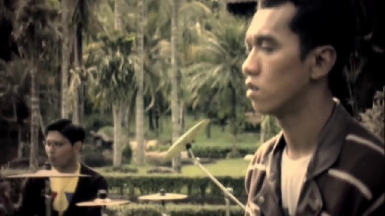 Download Asbak Band - Ternyata Salah Mengenalmu (Official Music Video)