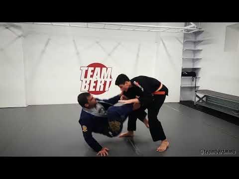 Bjj technique: a sweep from the de la riva guard to full mount