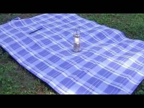 Our Review of the Blue Plaid Picnic Blanket