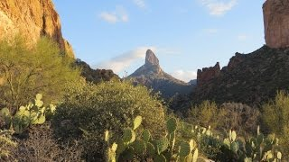Hiking in the Desert - Phoenix Arizona's Superstition Wilderness