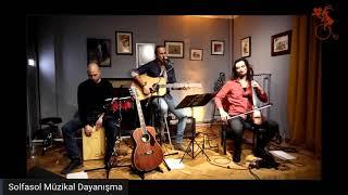 Büyük Birader - 3 Maymun Akustik (Gazaete Solfasol Müzikal Dayanışma Konseri) Resimi