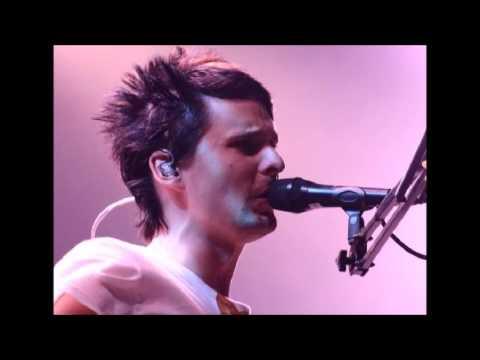 Muse - Showbiz + Ashamed Outro|| Live at Mainsquare Festival Grand Place, Arras, France - 2006
