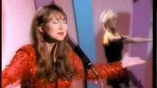 Pam Tillis - When You Walk in The Room