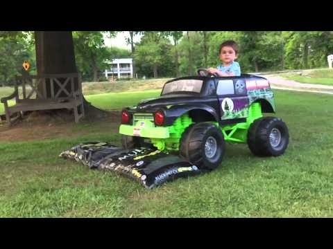 monster truck remote control trucks with Watch on Watch additionally A 51121387 also Monster Truck Murphy Elliott together with Bug Crusher Electric Radio Controlled Monster Truck moreover Gc Redcat R age Tt Buggy.