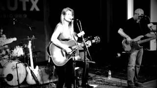 Robyn Ludwick ~ Heartache