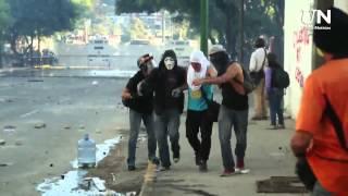 -SOS VENEZUELA- guardia nacional les pone joropo a los estudiantes