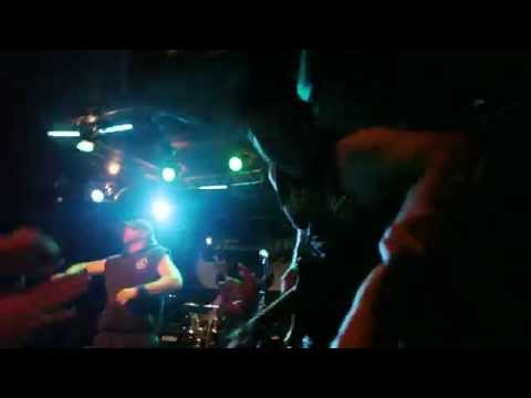 """UNEARTH """"FALSE IDOLS"""" official video"""