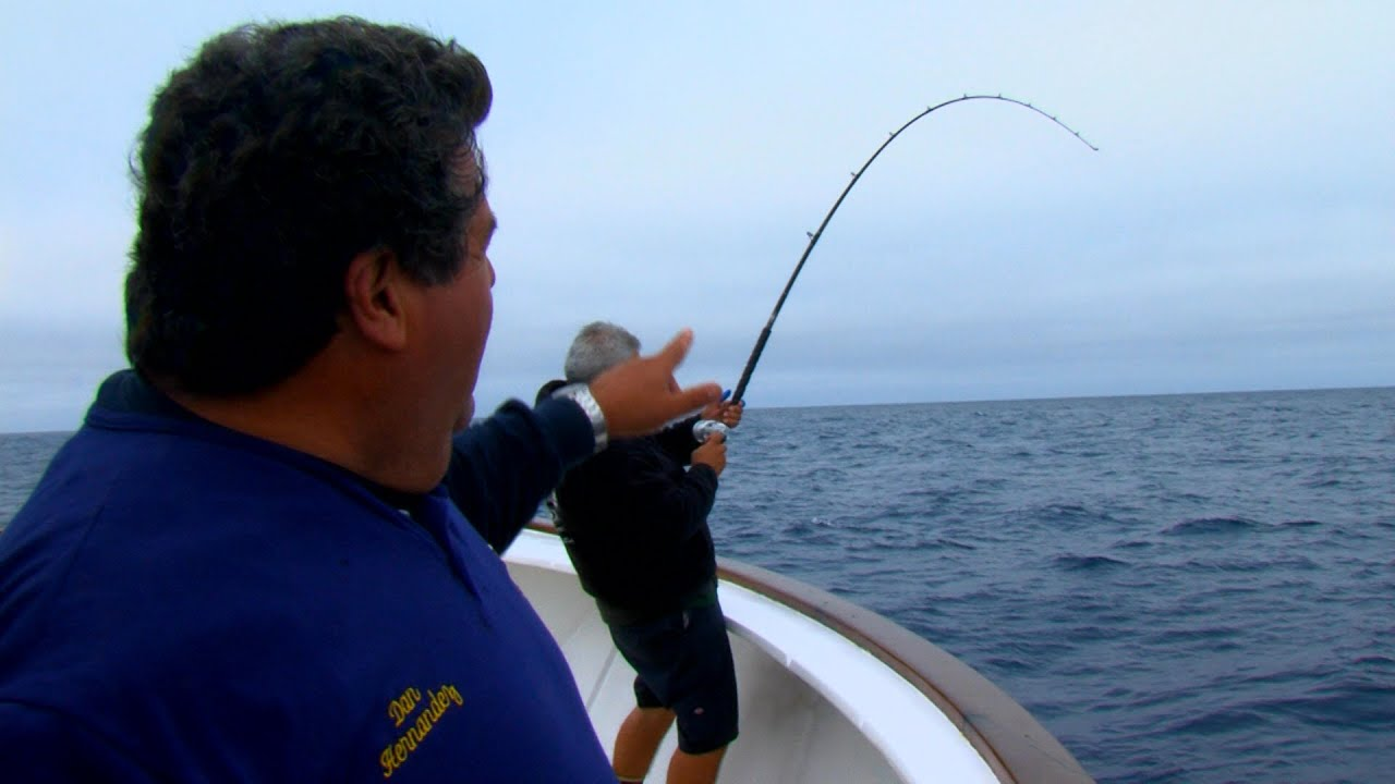 Tuna fishing tips with dan hernandez sport fishing youtube for Tuna fishing video