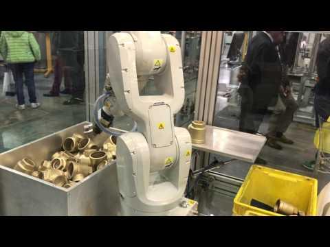 ROBOT INDUSTRIALE ABB iRB1200 m2004 IRC5
