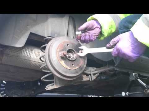 Citroën C3 rear brake drums how to take out.