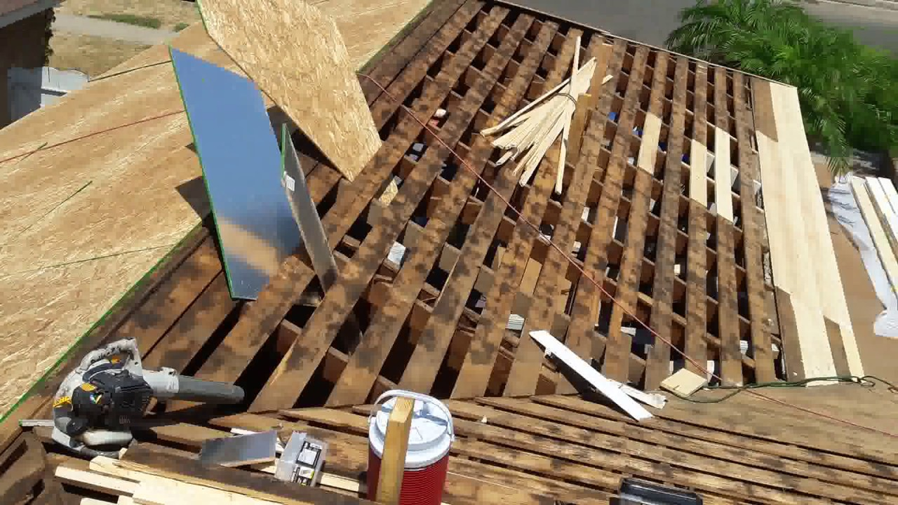 Installing Plywood On A Roof This Video Shows You How To