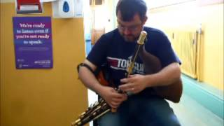Mikie Smyth playing a full set of Uilleann Pipes made by Makoto Nakatsui Video 2