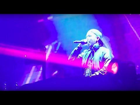 God is a DJ: Dmust Akira Berbagi Booth Dengan Afrojack | Party Madness Mp3