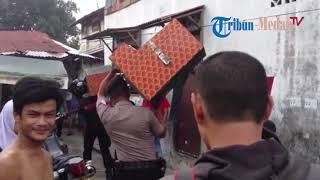 Download Video Penggerebekan Obat Terlarang di Jalan Sukaramai Gang Jati II, Kelurahan Suka Ramai MP3 3GP MP4