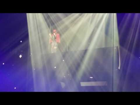 G-Dragon [Act III, M.O.T.T.E] in Chicago-  Superstar