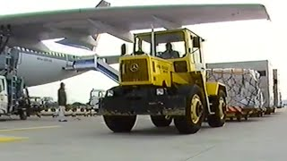 "Rare promotional film ""Mercedes-Benz MB-trac - the large-scale industrial tractor from Daimler-Benz"""