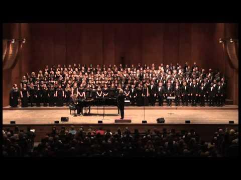 WhitacreSleepAFH2014Chorus Angelicus Singing 'Sleep' With Eric Whitacre At Avery Fisher Hall