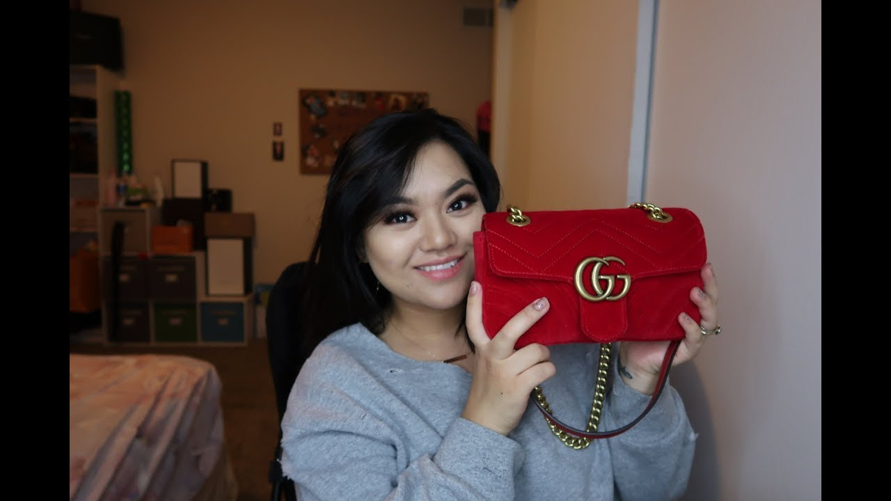9550e153c222 Gucci Marmont Red mini velvet | What fits in the Red Gucci marmont mini !