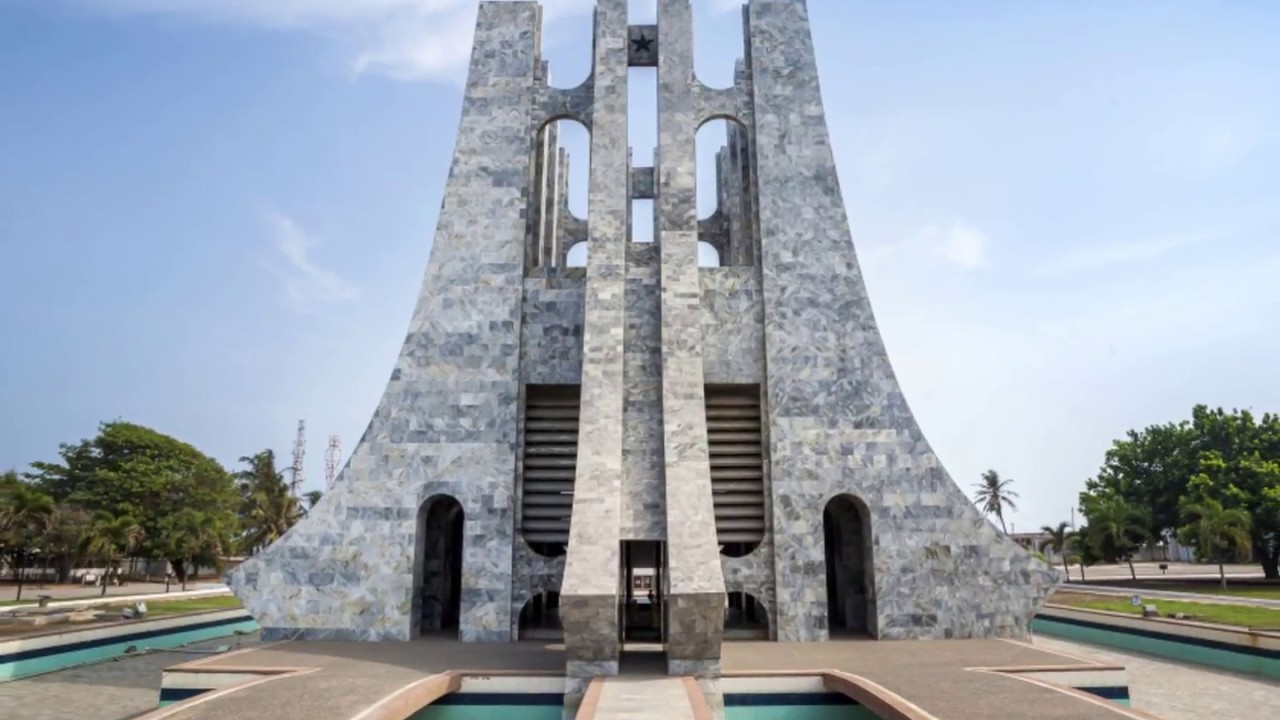 accra ghana independence arch rich modern buildings