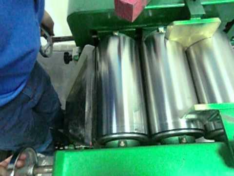 lipstick making machine-three-roller grinding mill