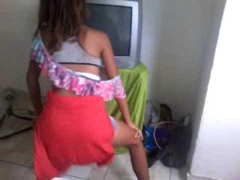 Leticia grabriela dançando