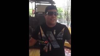 .@CHURO_DIAZ canta La Santa y saluda a los seguidores de EL INFORMADOR