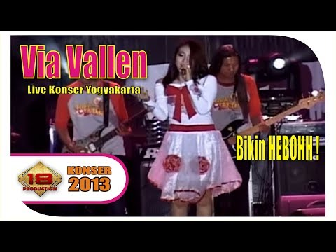 VIA VALLEN' .. Cover SAGGYDOG - SAYIDAN | MANTAFFF ... (Live Konser Yogyakarta 11 September 2013)