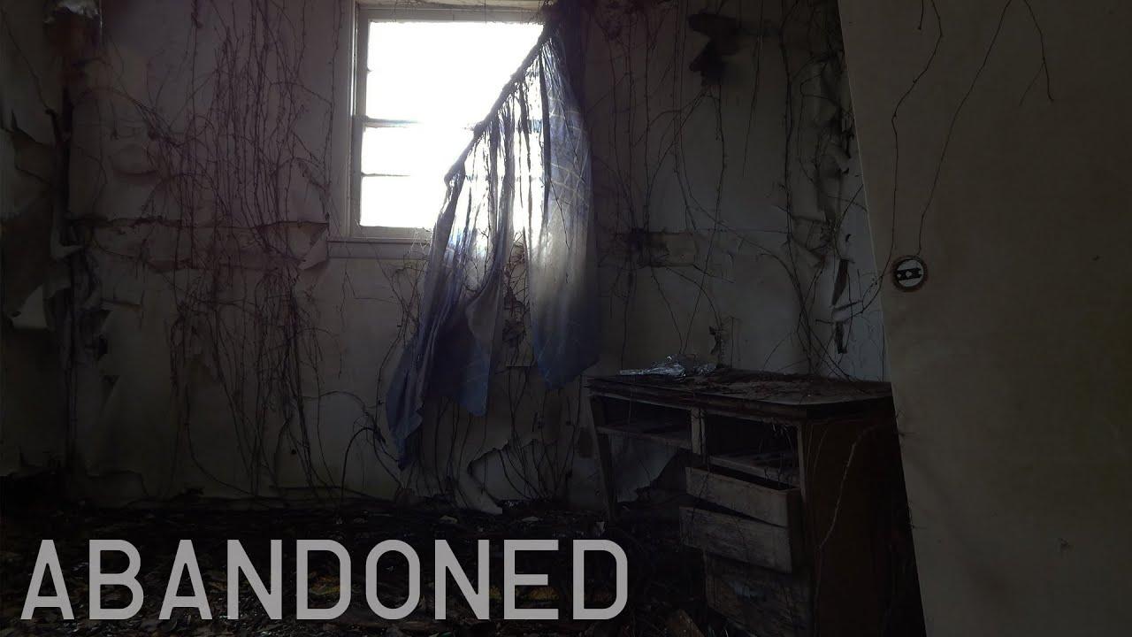 Abandoned Creepy 1950' Motel & Restaurant
