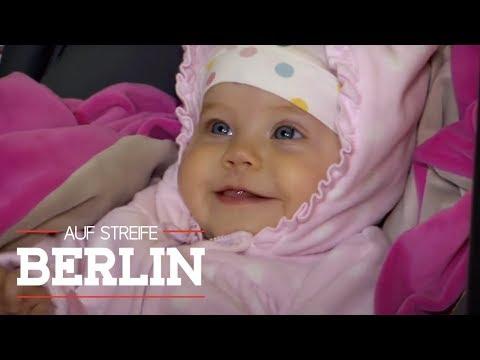 Frau dreht sich nur kurz um - und das Baby ist weg   Auf Streife - Berlin   SAT.1 TV