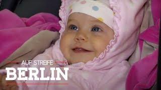 Frau dreht sich nur kurz um - und das Baby ist weg | Auf Streife - Berlin | SAT.1 TV