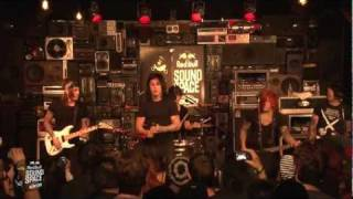 "Falling In Reverse ""Pick Up The Phone"" (Live In The Red Bull Sound Space At KROQ)"